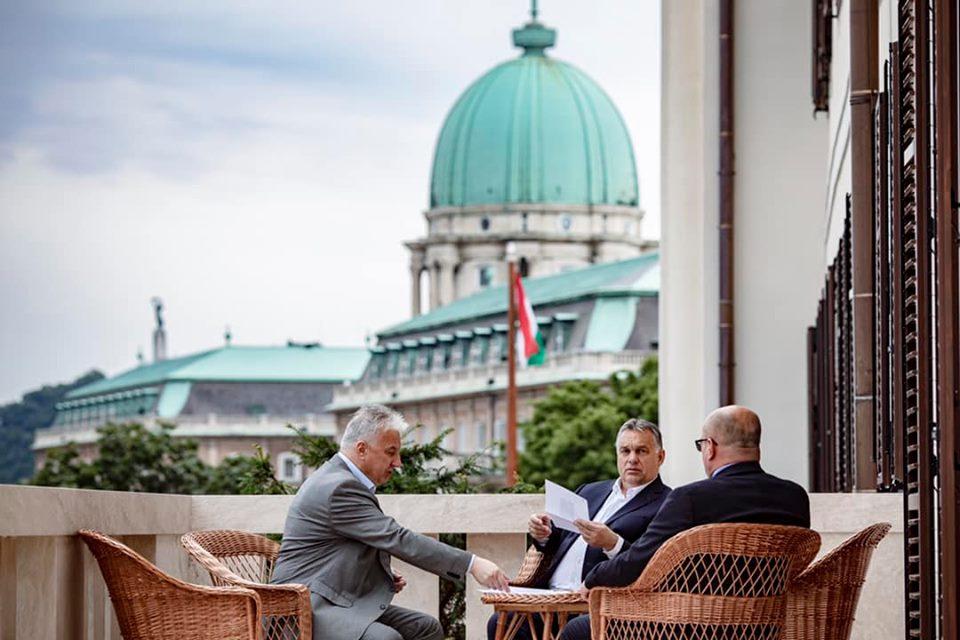 Угорські дипломати на Закарпатті, ризикують стати персонами non-grata на Україні